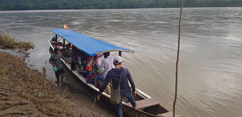 Tourists in a boat during a tour in the Beni river