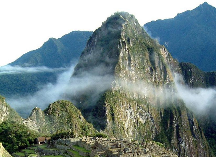 top of the mountain huayna picchu