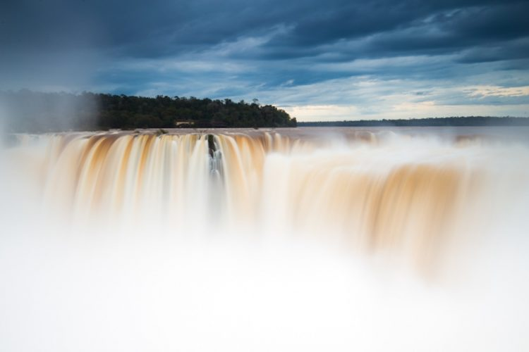 Garganta del Diablo (Devils Throat)  Argentinian Iguazu Falls close up Howlanders