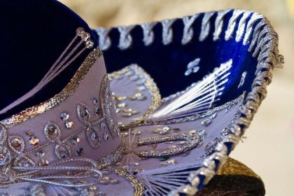 Blue mariachi hat: Mexican traditions