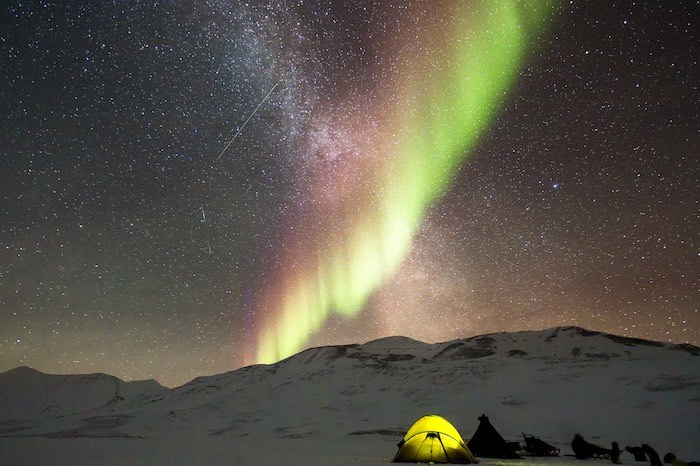 Colors of northern lights