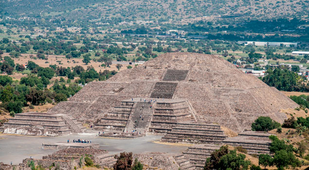 views of the pyramid of the sun